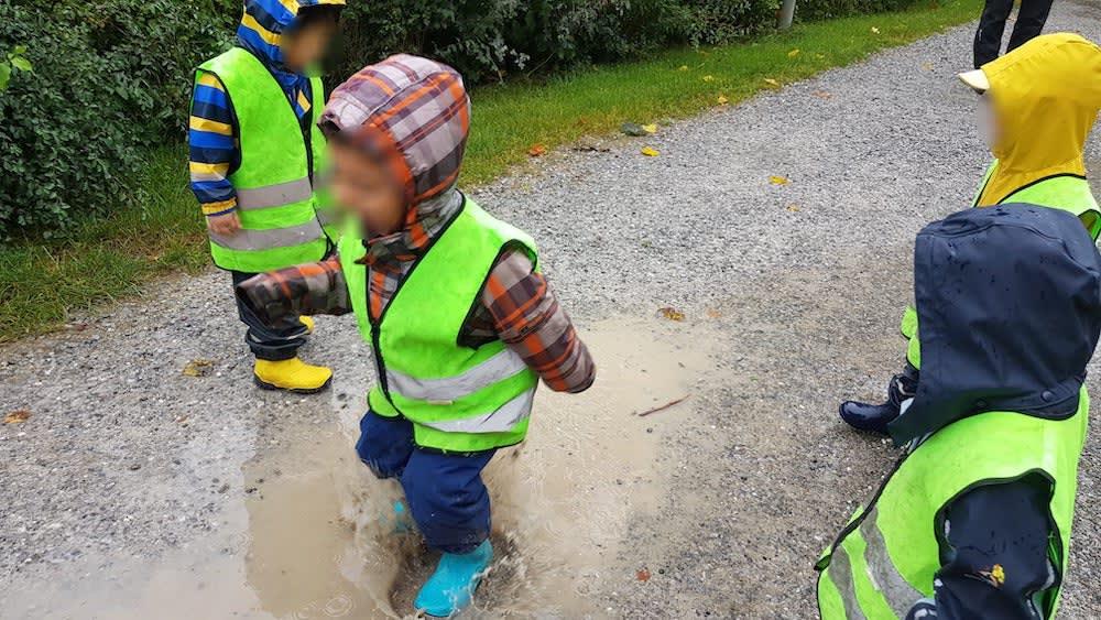 spass auch bei regen - Kinderkrippe + Waldkinderkrippe Blüemli in Zürich