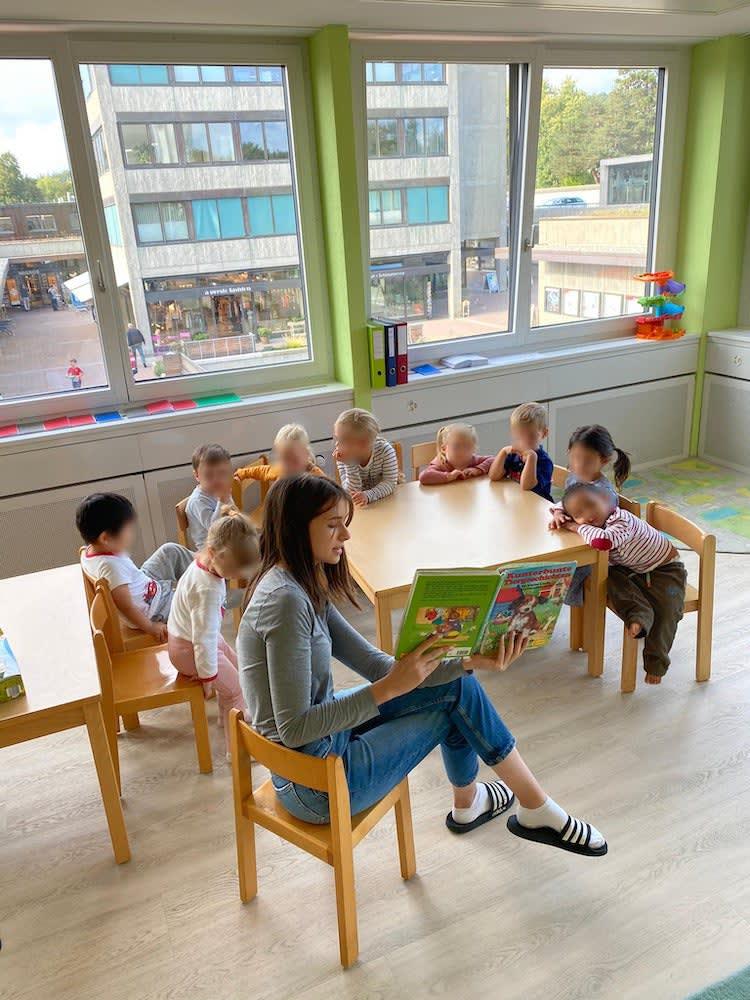 geschichte erzählen - Kinderkrippe + Waldkinderkrippe Blüemli in Zürich