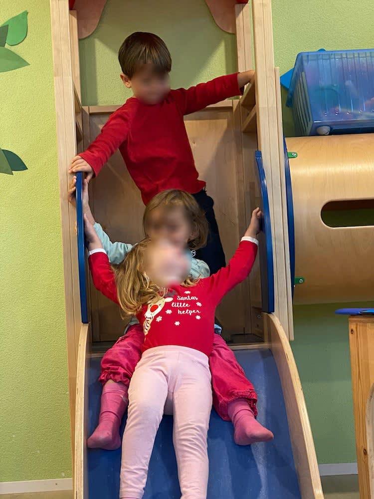auf der rutsche - Kinderkrippe + Waldkinderkrippe Blüemli in Zürich