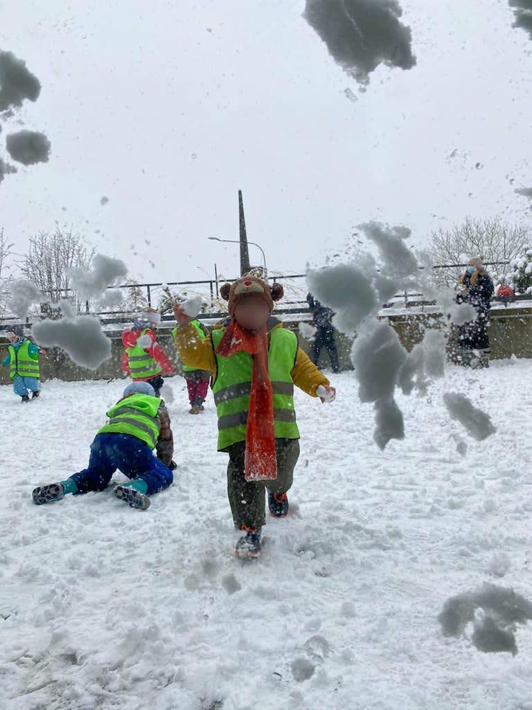 Schneeplausch Kinderkrippe und WaldkinderkrippeBlluemli in Zuerich Witikon