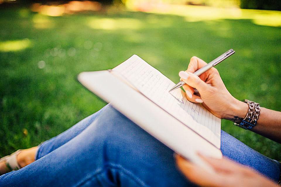 科見Online線上英日語-實用日語會話-可以供我課本和辭典嗎
