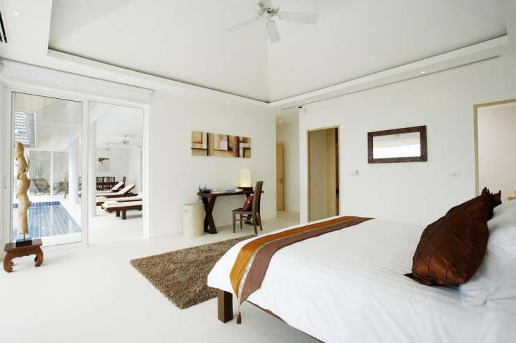 Andaman View (V02) - Bedroom 2 with sliding doors giving acess to the private swimming pool