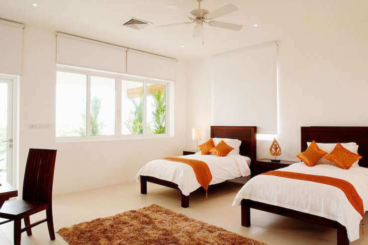 Andaman View (V02) - Bedroom 4 with twin single beds and en-suite bathroom