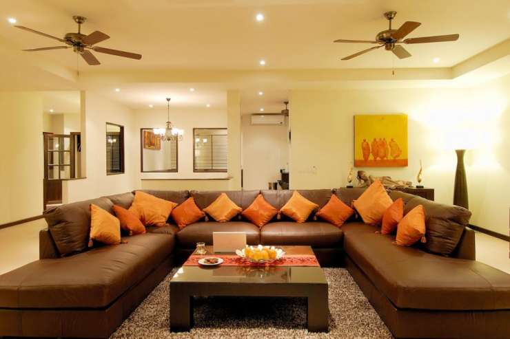 Sunstone Villa (V15) - Large Living room with comfortable leather sofa
