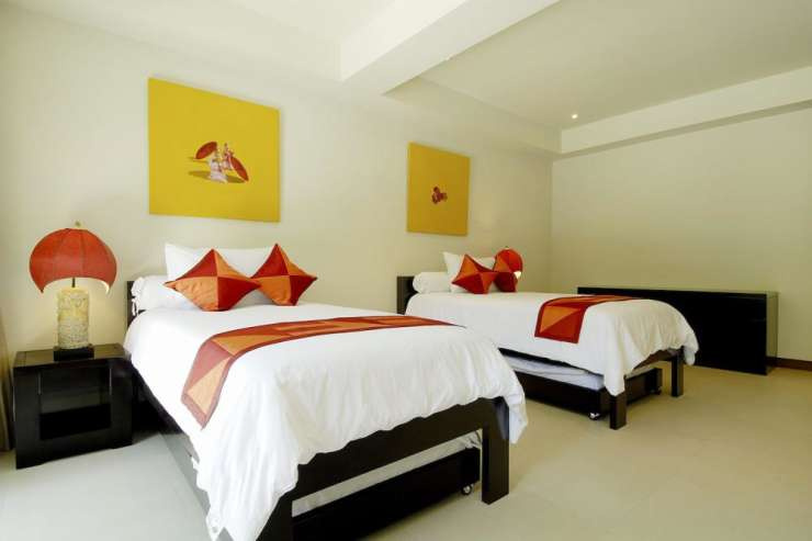 Villa Maria (V18) - Bedroom 5, with twin beds and en-suite bathroom, compelte with air conditioning and ceiling fan