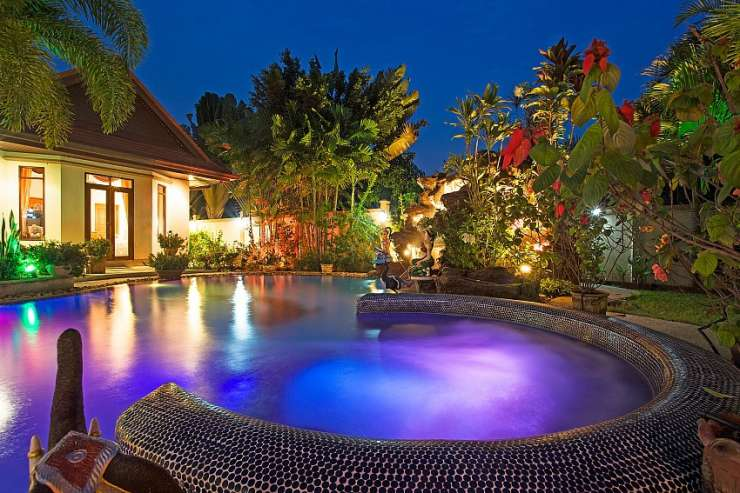 Relaxing Palms Pool Villa