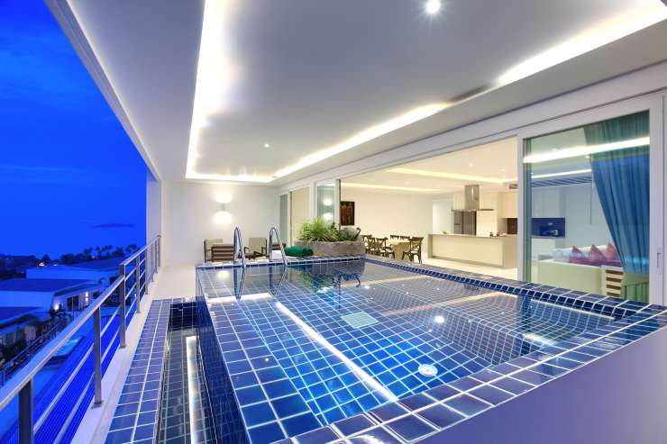 Serene Penthouse - A Plunge Pool on the balcony - what better way to spend your evenings