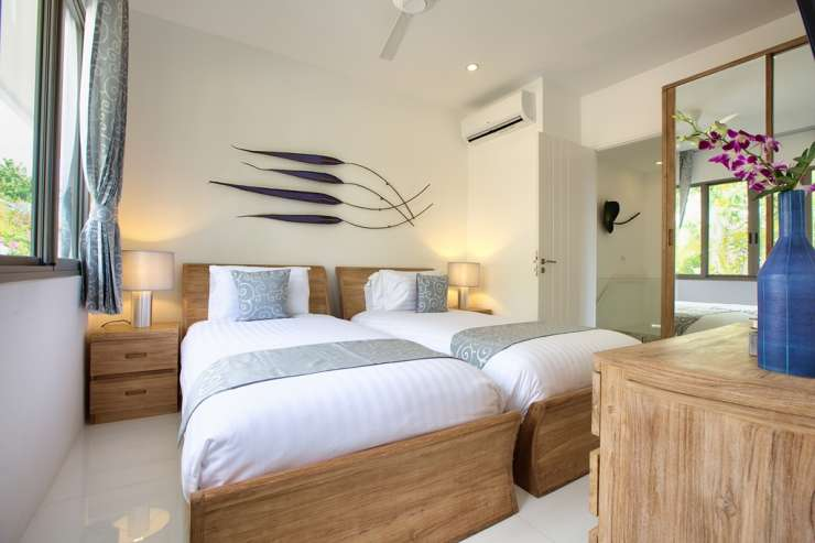 Shades of Blue - Bedroom 3 with 2 single beds & ensuite bathroom