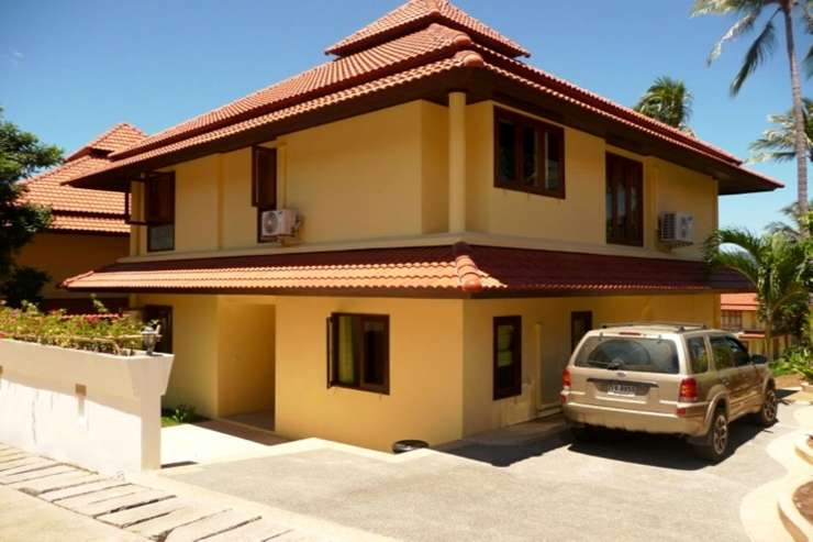 Shower of Sunshine - Private parking at the front of the property