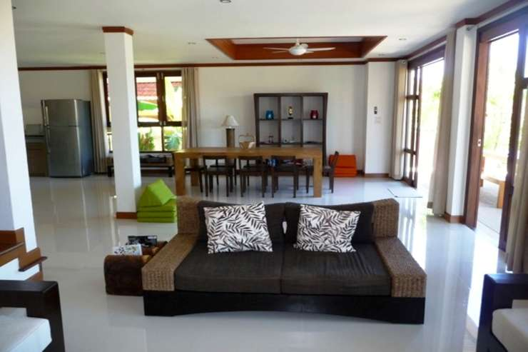 Shower of Sunshine - Ample of seating space for all