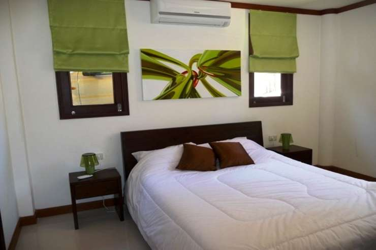 Shower of Sunshine - Spacious Bedroom 4 with double bed