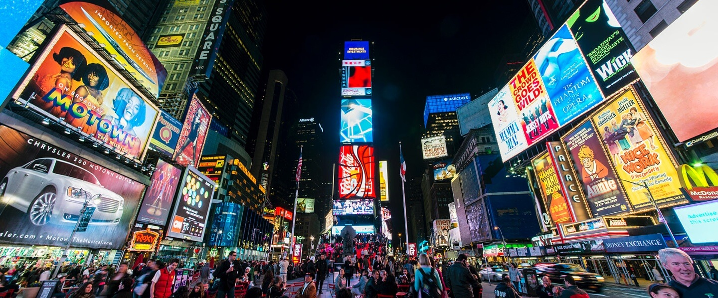 Luggage storage locations in Times Square