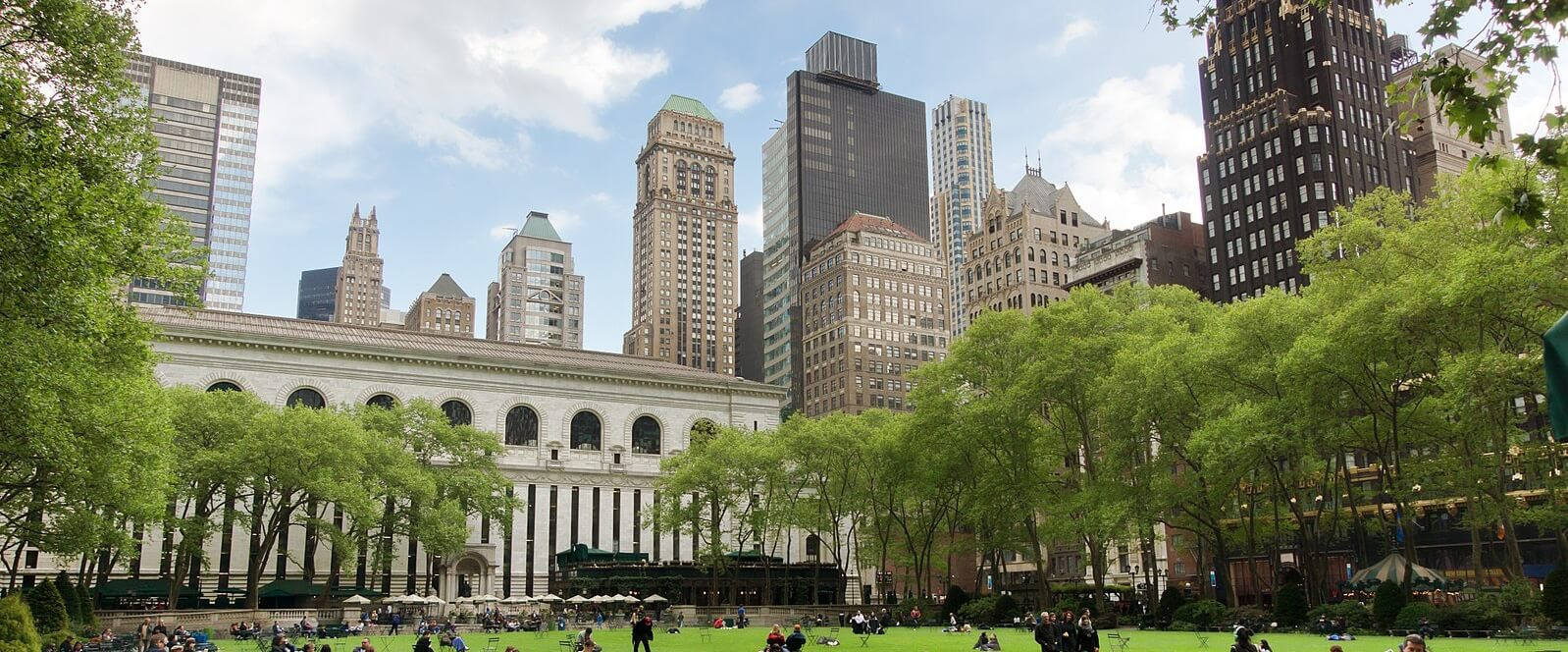 Luggage storage locations in Bryant Park