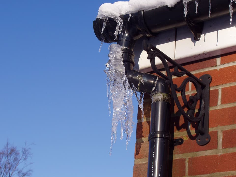 house frozen pipe