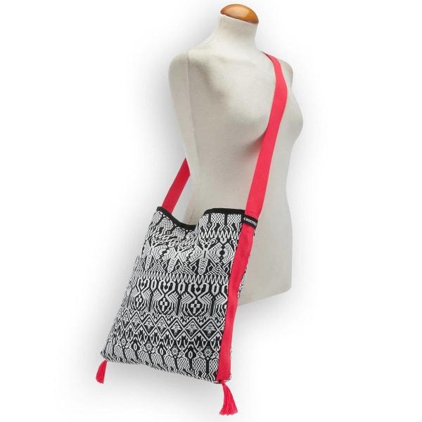 Chiemsee Sports & Travel Bags Black & White Umhängetasche 40 cm Produktbild Bild 3 L