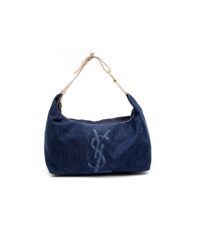 Amy Winehouse Heart Clutch Bag