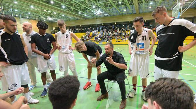 TSG-Coach Vasilios Tsuknidis und seine Reutlinger Basketballer wollen mit aller Macht in die 1. Regionalliga aufsteigen.