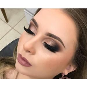 https://lilivieira.com.br/Post/49048/dicas-para-nao-errar-na-maquiagem-na-sua-formatura