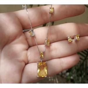 Conjunto com pedras amarelas