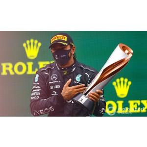 https://cdn-1.motorsport.com/images/amp/YN1oypP2/s6/race-winner-lewis-hamilton-mer.jpg