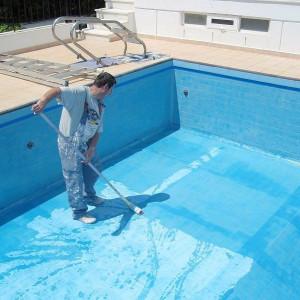 Conheça 3 argamassas poliméricas infalíveis para impermeabilizar diferentes tipos de piscinas