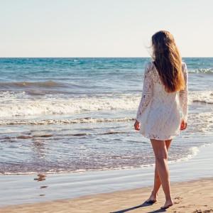 Dicas para ter um cabelo lindo e bem cuidado na praia e na piscina