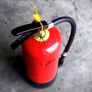Existe obrigatoriedade de manter equipe de brigada de incêndio em edificações residenciais?