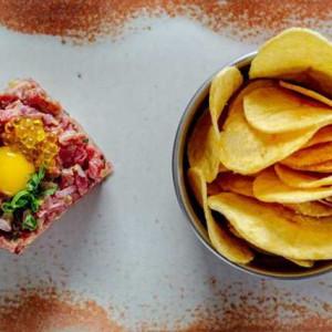 Novo em folha: Ícone Gastro Rock traz cozinha fusion em atmosfera despojada