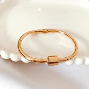 Bracelete fecho rosca