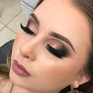 Dicas para não errar na maquiagem na sua formatura