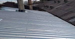 Impermeabilização do telhado metálico: 5 benefícios de usar a membrana de silicone Enduris 3500