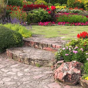 Dicas de impermeabilização para jardins e floreiras