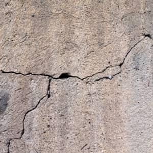 Como proteger superfícies de concreto do efeito da desidratação provocada pelo calor e pelo vento?