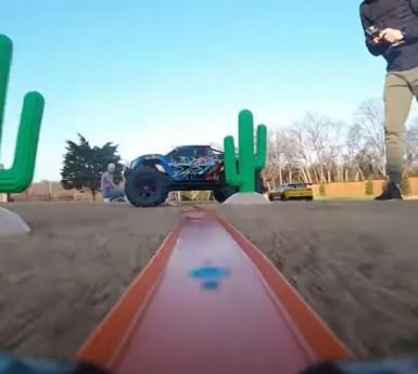 https://www.uol.com.br/carros/noticias/redacao/2021/02/16/youtubers-criam-pista-gigante-de-hot-wheel