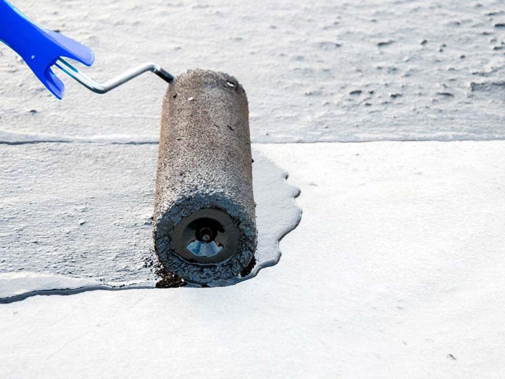 Uma solução para o seu telhado que você não esperava: Manta Líquida e Véu de Poliéster