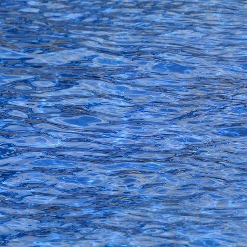 Bebê morre após cair em piscina de condomínio no litoral