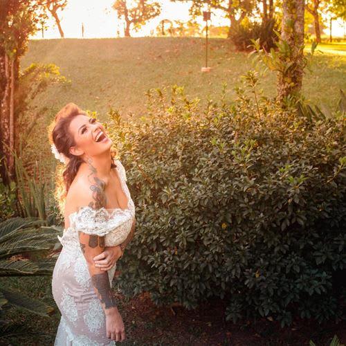 O vestido ideal para um casamento no campo