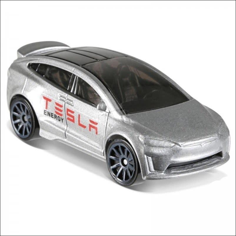 Tesla model X - FJW84