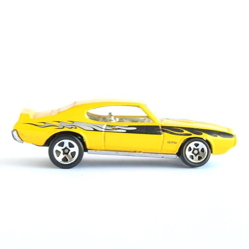'69 Pontiac GTO - J3416