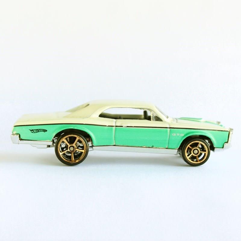 '67 Pontiac GTO - R7559