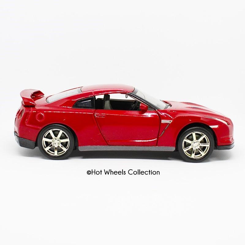 Nissan GTR - SN010
