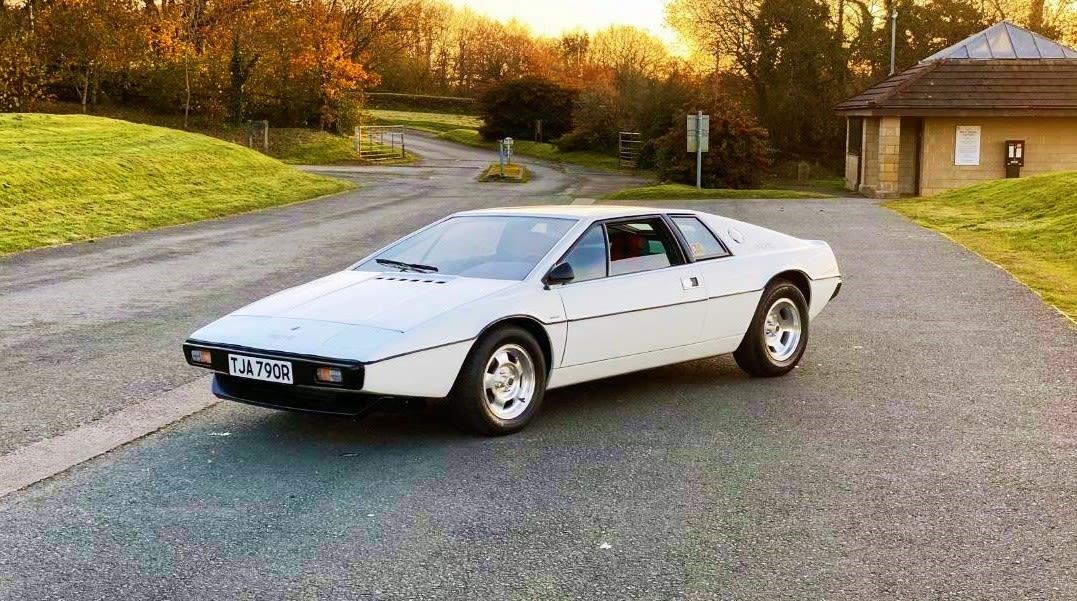 https://spottedcars.co.uk/james-bond-spec-lotus-esprit-s1/