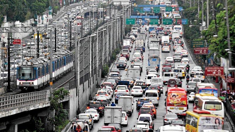 hati hati menyeberang jalan di filipina