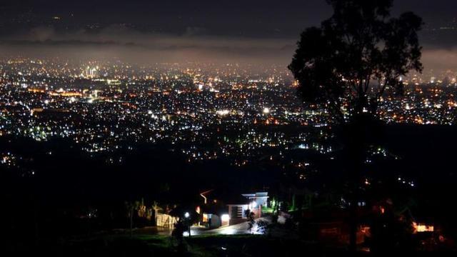 Pemandangan Malam Kota Bandung