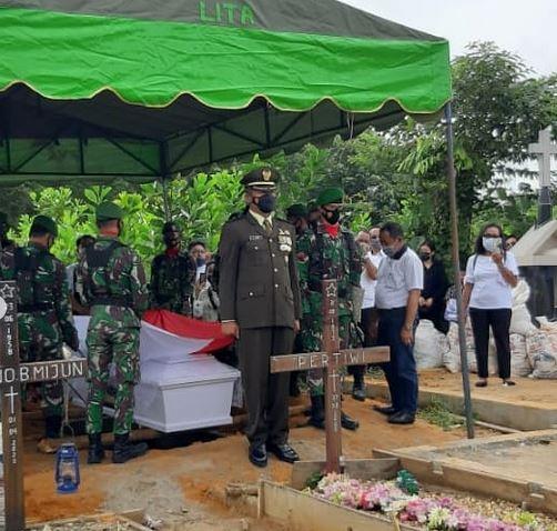 Upacara Pemakaman Militer di Pimpin Langsung Kasdim 1012/ Buntok