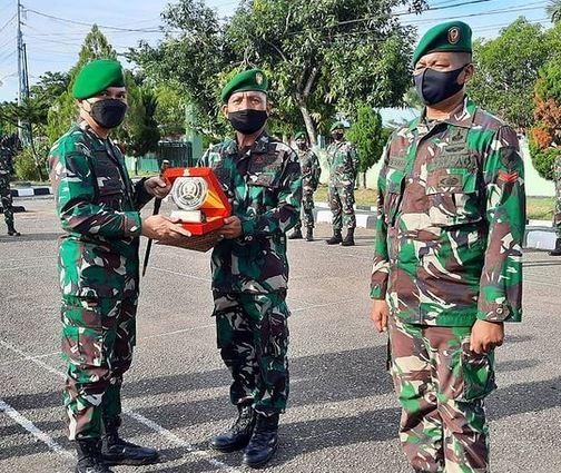 Dandim 1013/MTW Pimpin Acara Korps Rapot Masuk dan Pindah Satuan.