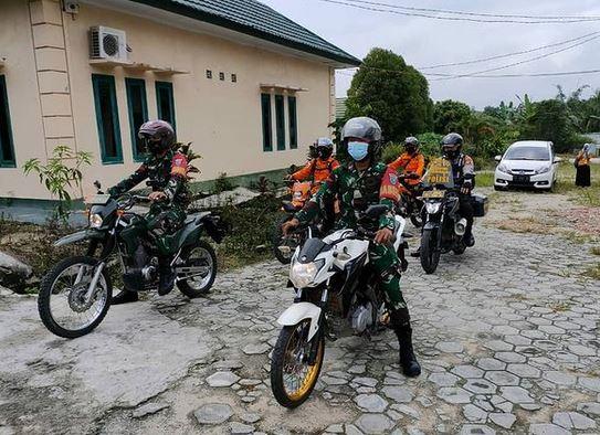 Koramil 1014 - 01/Arsel Kawal Pendistribusian Vaksin Sinovac ke Desa Tanjung Terantang