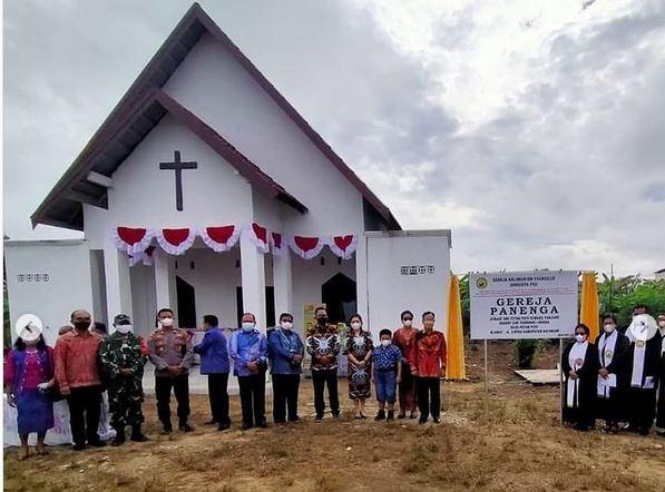 Danramil 1015 -04 / Katingan tengah Menghadiri Peresmian Gedung Gereja Panenga dan Gereja Pandohop