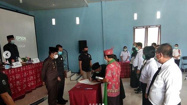 Plh. Danramil 1013-11/Sumber Barito Turut Hadir di Acara Pelantikan Anggota BPD Kecamatan Sumber Barito
