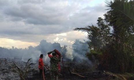 Karhutla Kembali Terjadi, Babinsa Himbau Warga Tidak Buka Lahan Dengan Membakar